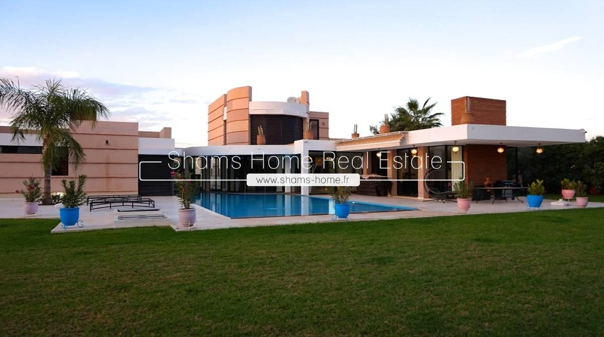 Prestigious villa for sale on the road to Ourika Marrakech
